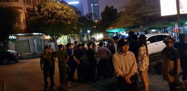 Lực lượng cảnh sát có mặt để giải quyết vụ việc.