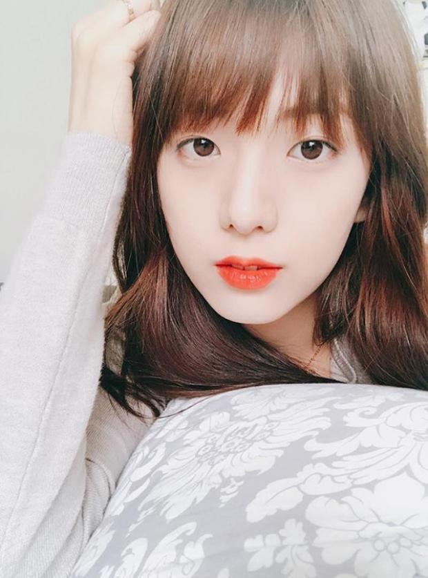 """Một """"chân lý đáng hờn"""" rằng: xinh đẹp chính là """"gen trội"""" của cả gia đình Jisoo."""