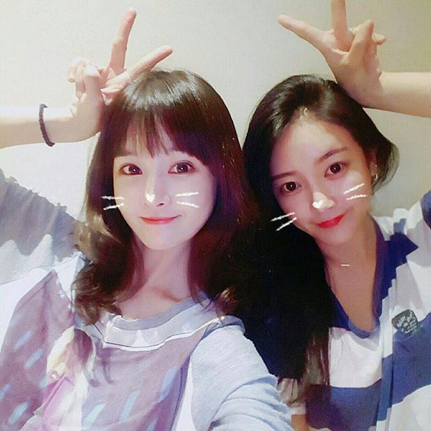 Boram và Soyeon là 2 thành viên kết thúc hợp đồng với MBK sớm nhất, vào ngày 15/5/2017.