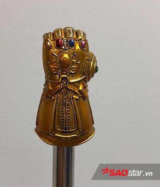 Nắp bút Infinity Gauntlet