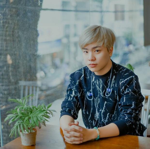 Sáng tác của Hứa Kim Tuyền dành cho Hòa Minzy - Đức Phúc là bản pop lãng mạn. Người nghe sẽ như lạc vào một không gian khiêu vũ đầy hấp dẫn với bản phối mới mẻ.
