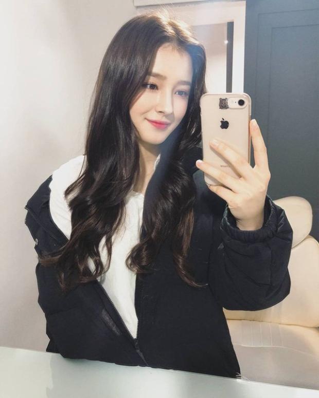 Khi còn nhỏ cô nàng rất thần tượng Key (SHINee) và từng dùng hình anh chàng làm ảnh nền điện thoại.
