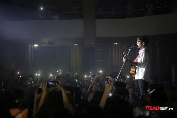 Hàng nghìn sinh viên Hà Nội bùng nổ cảm xúc trong đêm cùng dàn sao nhạc Indie