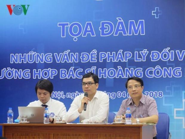 """Tọa đàm """"Những vấn đề pháp lý đối với trường hợp bác sĩ Hoàng Công Lương"""". Ảnh: VOV."""