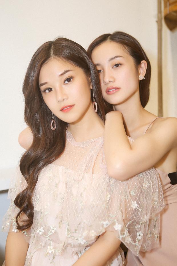 Theo Hoàng Yến Chibi, sau khi đóng chung bộ phim Tháng năm rực rỡ, cô và Jun Vũ trở nên thân thiết vì cả hai cùng chung nhiều sở thích, tính cách hài hước, vui vẻ. Tuy nhiên, hiện tại, hai nữ diễn viên đều rất bận rộn với các dự án cá nhân dày đặc nên không có nhiều thời gian rảnh rỗi để gặp mặt, trò chuyện.