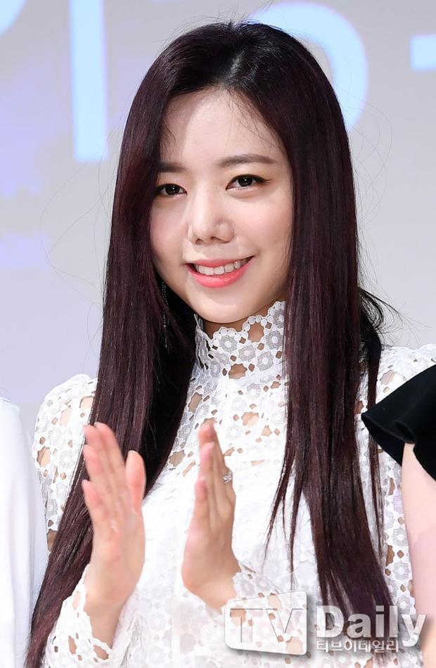 Namjoo (Apink) đang hot nhất mạng xã hội Hàn Quốc hậu scandal thẩm mỹ 'biến dạng'