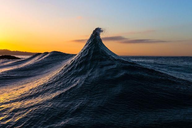 """Tác phẩm """"Pinnacle of Existence"""" của tác giả Oreon Strusinski chiến thắng hạng mục ảnh về Thế giới tự nhiên qua hình ảnh consóng ở Malibu, California (Mỹ)."""