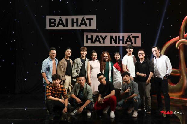 Team HLV Giáng Son có đến 11 thành viên với hai boy band.