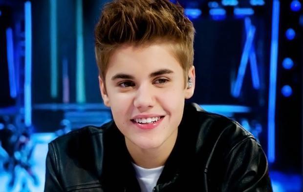 Thời điểm những năm đầu ra mắt, vẻ baby cực xinh trai của Justin khiến nhiều thiếu nữ mê mẩn.