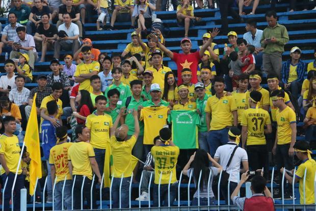 Khán giả đã được chứng kiến trận đấu hay và có 6 bàn thắng.