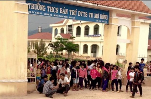 Trường THCS bán trú DTTS Tu Mơ Rông nơi xảy ra việc giáo viên tố bị hiệu trưởng đánh vì… không chịu đi nhậu. Ảnh: Vietnamnet.