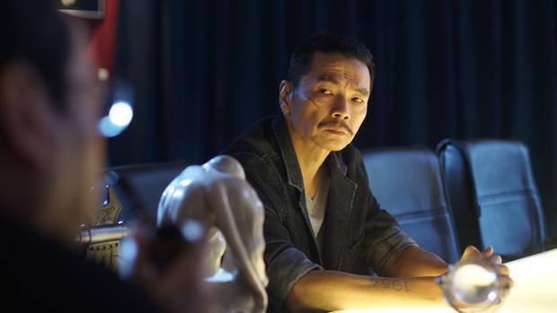 """NSUT Trung Anh (vai Lương Bổng - """"Người phán xử"""") giành giải Nam phụ xuất sắc nhất."""