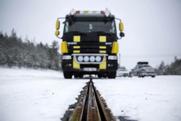 Con đường thông minh tự sạc điện cho xe ở Thụy Điển