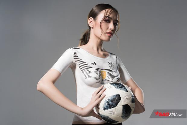 Ngắm bộ ảnh nóng Phương Chi cổ vũ tuyển Đức vô địch World Cup 2018