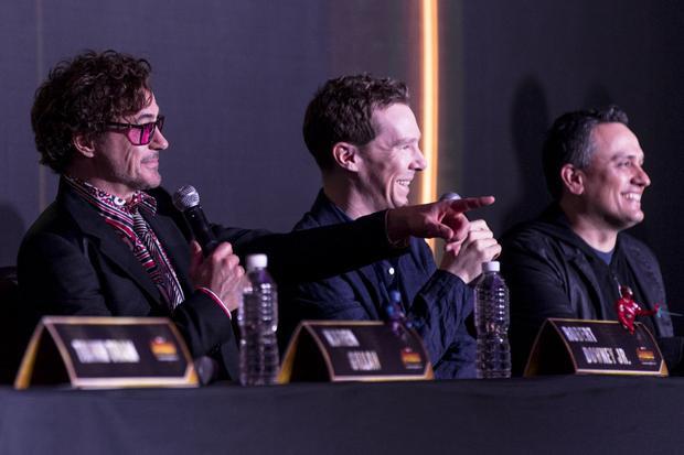 Sau bức ảnh thân thiết cùng Doctor Strange, Bảo Anh tiếp tục selfie với Nebula và đạo diễn Avengers: Infinity War