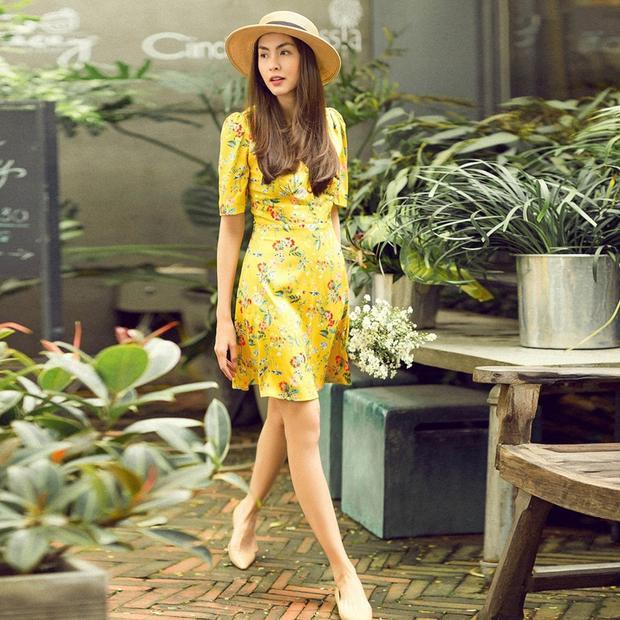 Tăng Thanh Hà vẫn luôn đẹp ngay cả khi gout thời trang của cô nàng siêu đơn giản. Không chạy theo mốt, vậy mà Tăng Thanh Hà vẫn cứ xinh đẹp bất chấp thời gian.