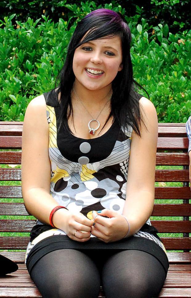 Demi-Lee Brennan năm 15 tuổi.