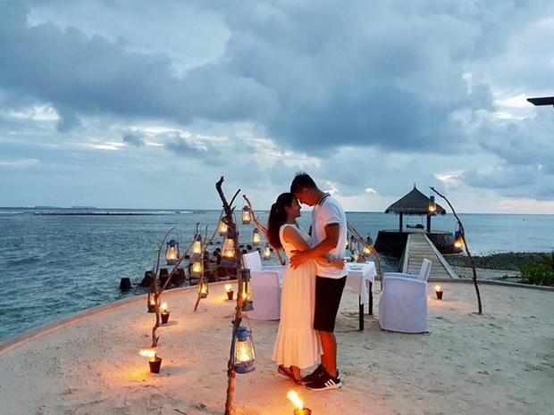 Vẫn ngọt ngào và lãng mạn như vợ chồng son nhé!