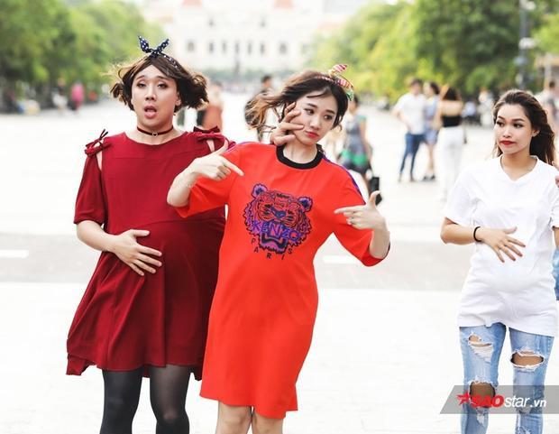 Các fan vốn chẳng lạ gì những khoảnh khắc Trấn Thành và Hari Won bạo lực với nhau thế này.