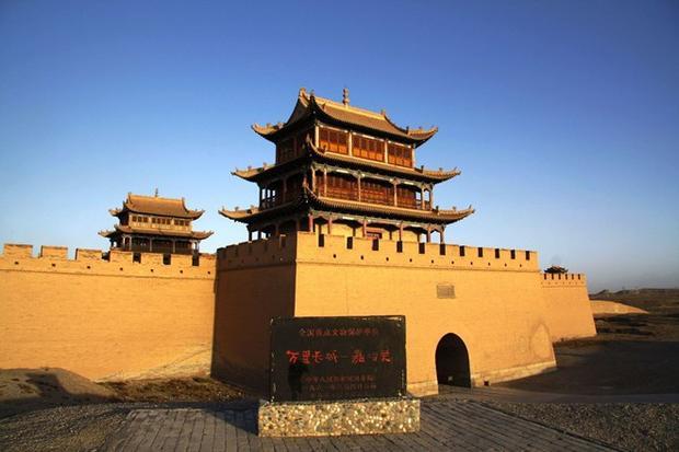 """Viên gạch thứ 100.000 vẫn ở yên vị trí """"thần linh"""" đặt. Ảnh: Baidu"""