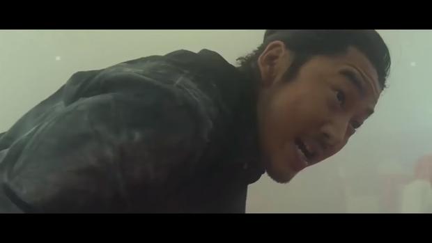 """Yoon Kye Sang trong tác phẩm điện ảnh """"The Outlaws""""."""
