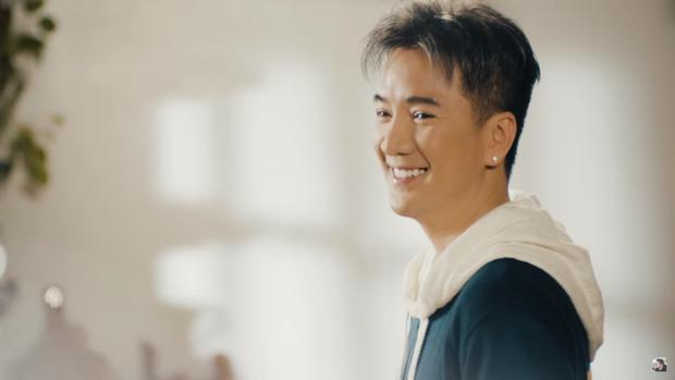 """Hình ảnh như """"trai 20"""" của Đàm Vĩnh Hưng trong MV ."""