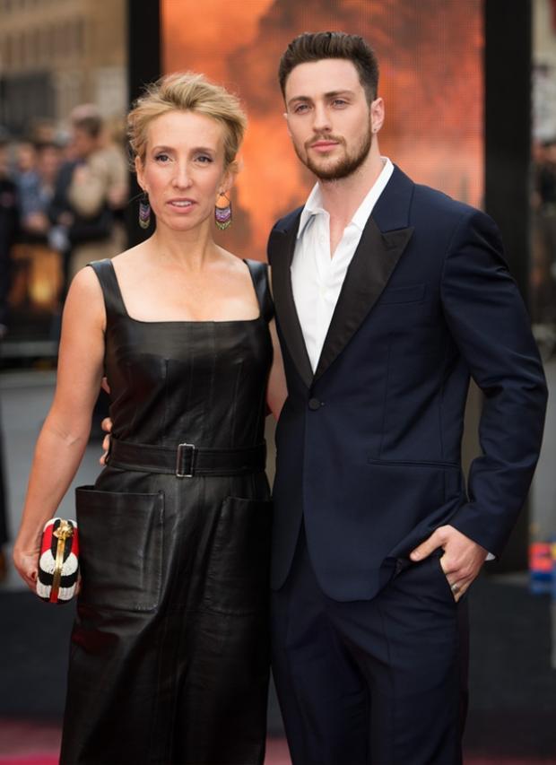 Hôn nhân viên mãn của những cặp đũa lệch nổi tiếng Hollywood