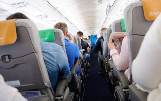 Chuyến bay kết thúc mà mãi lâu sau bạn mới được ra khỏi máy bay, đây là lý do tại sao