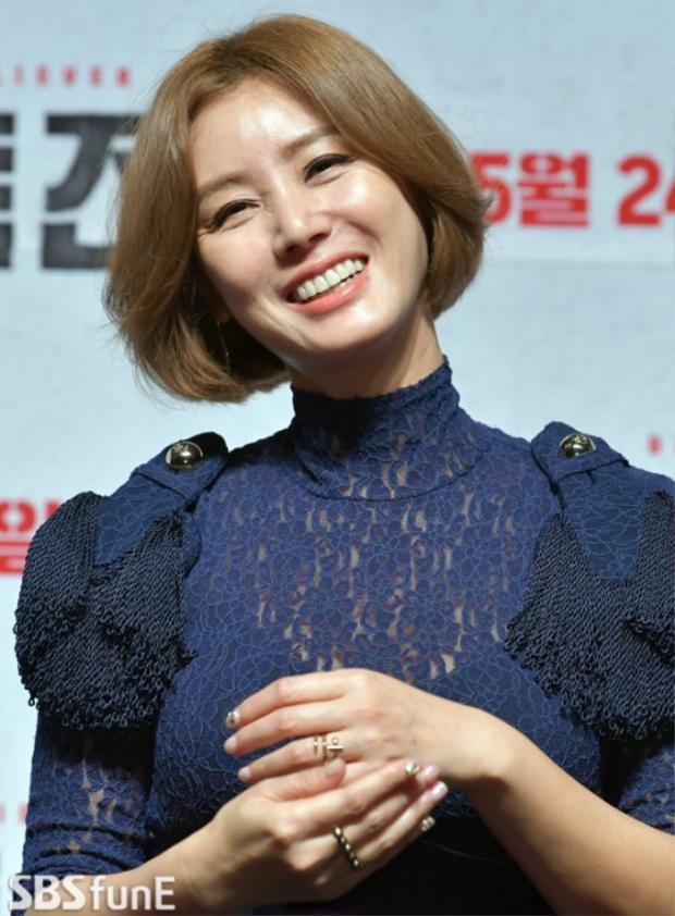 """""""Mẹ"""" Kim Sung Ryung của loạt nam diễn viên đình đám xứ Hàn như Lee Jun Ki, Lee Min Ho, Jang Geun Suk,…."""