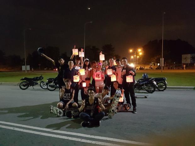 Hoạt động rước đèn trong dịp Trung thu mà Minh cùng các bạn tổ chức.