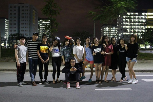Minh cùng các thành viên của CLB trong những buổi tập luyện.