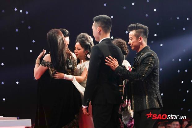 Các HLV đều rung động trước tiết mục của học trò Như Quỳnh, 6 thí sinh đã thật sự trở thành 6 thiên nga rực rỡ trên sân khấu.