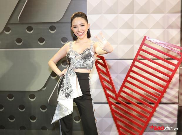 Tóc Tiên với hình ảnh trong ngày ghi hình vòng Giấu mặt The Voice 2018.