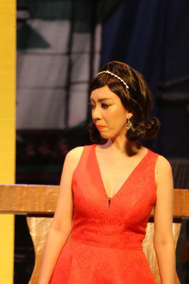"""Thu Trang với danh xưng """"Hoa hậu làng hài""""."""