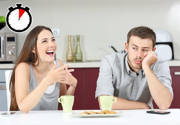 Cả đàn ông và phụ nữ đều tập trung lắng nghe trong các cuộc trò chuyện với bạn bè hơn là với bạn tình. Ảnh: depositphotos