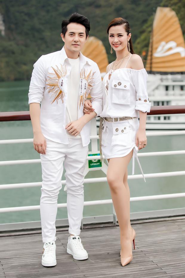Cặp đôi trai tài gái sắc Ông Cao Thắng và Đông Nhi.