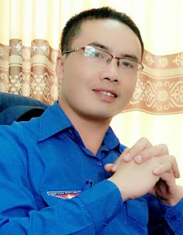 Thầy Linh năm nay 40 tuổi, đã 4 năm làm hiệu trường THCS Kim Liên. Ảnh: VnExpress.