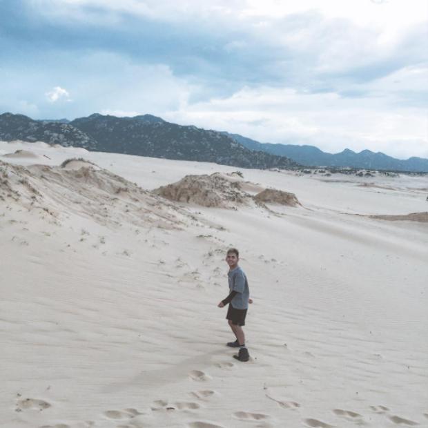 Những dải cát trắng trải dài vô cùng hút mắt. Ảnh: @changtraim52