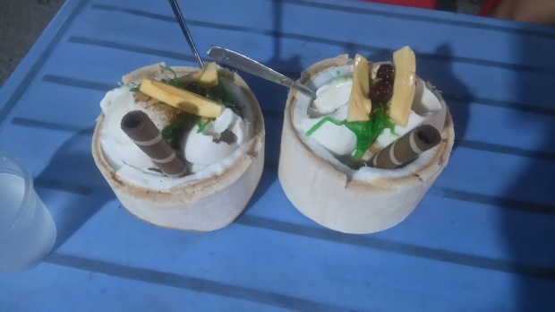 Món kem dừa thần thánh.