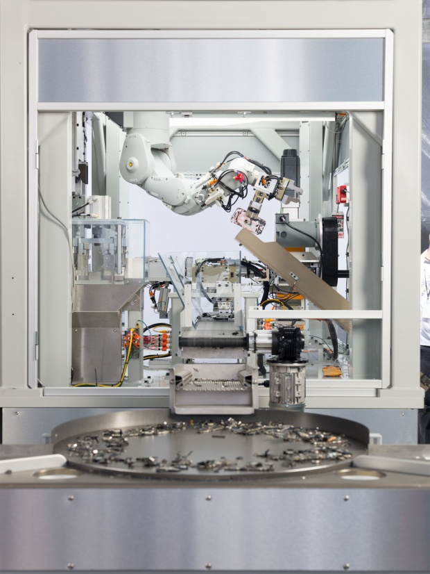 Đây là Daisy, robot hỗ trợ tái chế iPhone mới nhất của Apple.