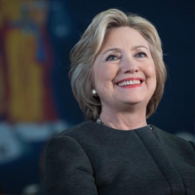 Bà Hilary Clinton là cựu sinh viên Yale (thuộc khối Ivy League).