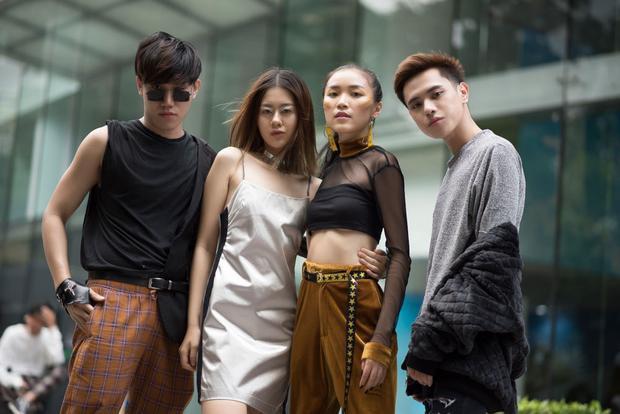 Quán quân người mẫu ảnh 2016 Như Đỗ cùng các bạn của mình quay trở lại với gam màu cam ấm. Cả nhóm mix-and-match trang phục hài hoà và phần trang điểm ấn tượng của tất cả các thành viên trong nhóm. Phụ kiện độc đáo cũng được kết hợp triệt để, tạo ra một concept mới lạ cho sự kiện.