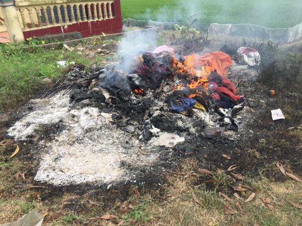 Vụ 3 mẹ con bị lửa thiêu sống: 'Cháu tôi đã cố dang tay ôm 2 con vào lòng trước khi chết'