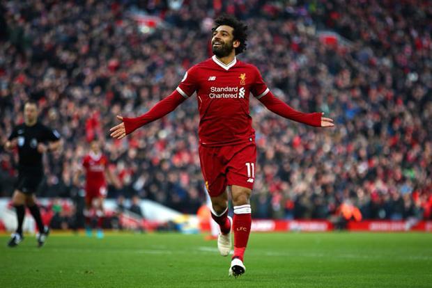 """Cầu thủ Ai Cập đầu tiên lập """"poker"""" ở Premier League. Trong trận thắng 5-0 trước Watford hôm 18/3 vừa qua, Salah đã lập được """"poker"""". Nhờ đó, anh trở thành cầu thủ người Ai Cập đầu tiên ghi từ 3 bàn thắng trở lên trong 1 trận đấu ở giải Ngoại hạng Anh."""