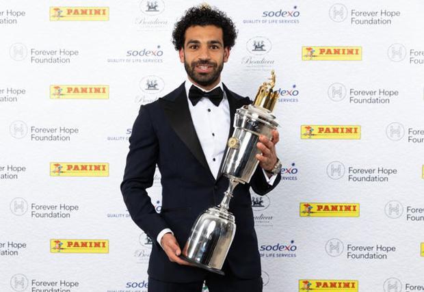 Salah vừa giành giải Cầu thủ xuất sắc nhất Premier League 2017-2018.