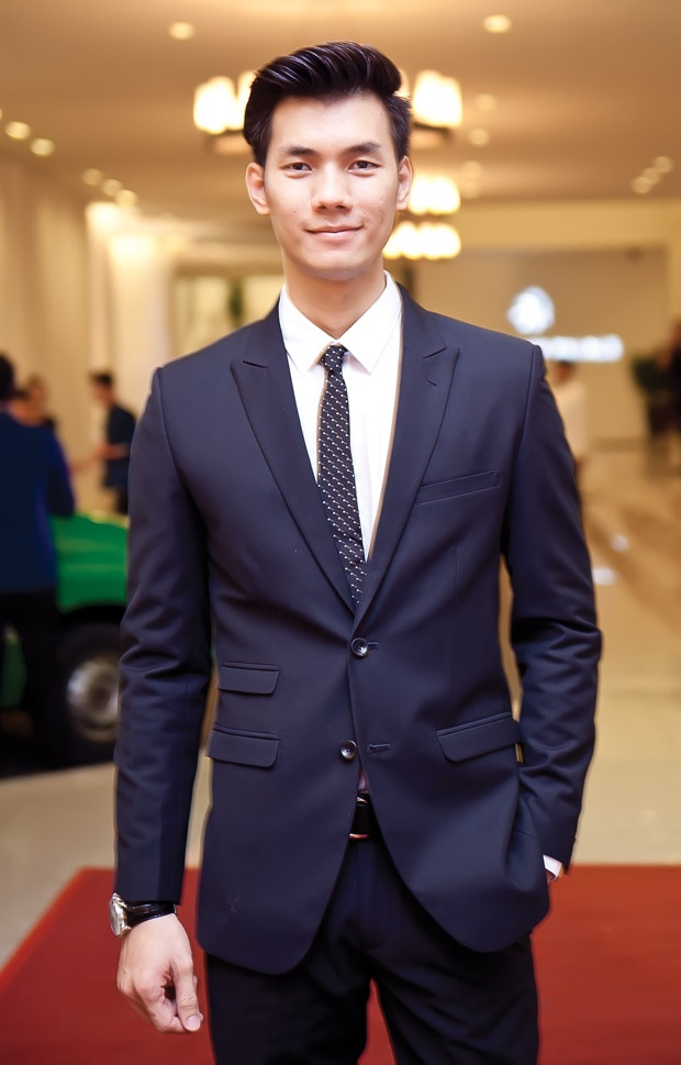 Nhan Phúc Vinh xuất sắc giành giải Nam diễn viên phụ xuất sắc nhất tại lễ trao giải Cánh Diều 2017.