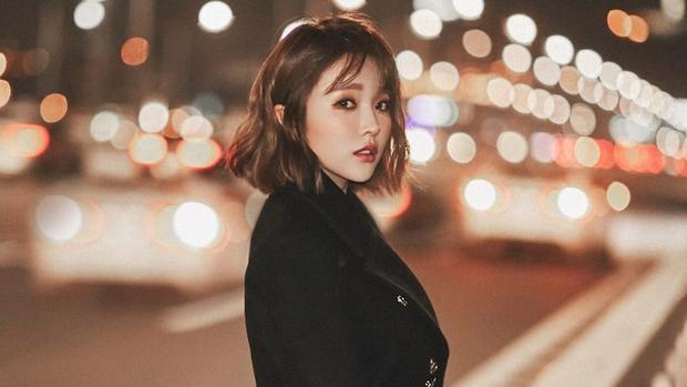 Ngôi sao nhạc Trot - Hong Jin Young ở vị trí thứ 5.