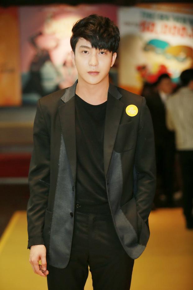 Giống như Jun Phạm, đây là lần thứ 2 B Trần hợp tác với đạo diễn Vũ Ngọc Phượng.