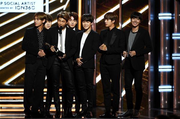 Năm ngoái, BTS đến nhận giải…