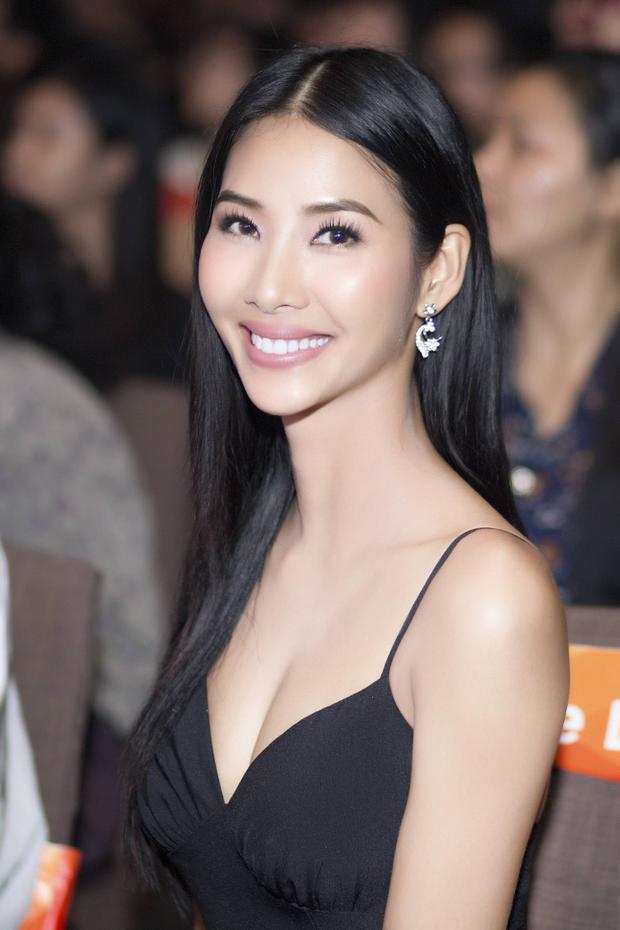 """Hai năm trước, Á hậu Hoàng Thùy từng có mặt trong danh sách """"30 nhân vật thành công trong sự nghiệp có độ tuổi dưới 30""""."""